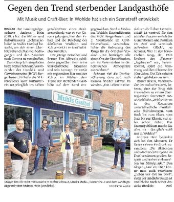Kröger Tim Albrecht mit Besuchern Stefan Schnaut, Sandra Medau, Reiner Kraus und dem Landtagsabgeordneten Andreas Hein (von links)